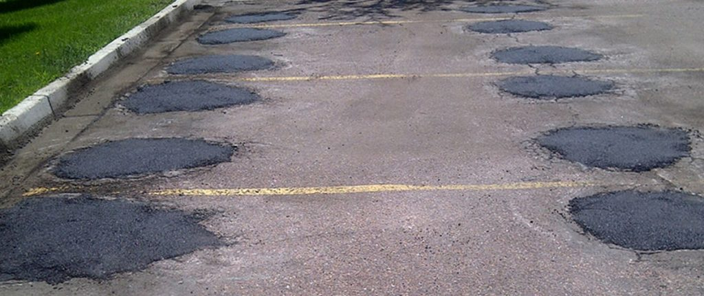 Colorado-Springs-asphalt-parking-lot-repair