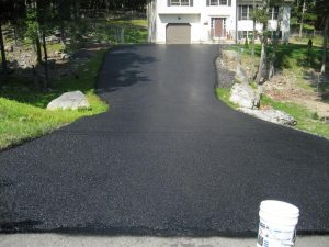 Colorado-Springs-asphalt-seal-coating