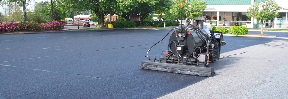 asphalt-seal-coating-Colorado-Springs
